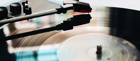 Vinyl sales continue to grow in the UK